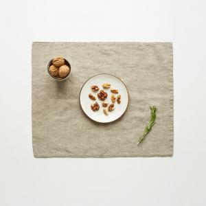 Béžové ľanové prestieranie Linen Tales, 35 x 45 cm