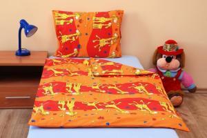 Brotex Bavlnené obliečky na veľkú posteľ Žirafa oranžová