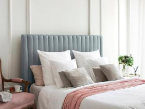 Čelo postele Dallas – 216(200) × 14 × 120 cm
