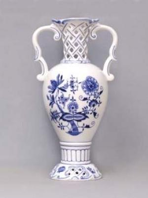 Český porcelán, a.s., Dubí Váza prolamovaná  15,3 x 30 cm, cibulák, Český porcelán