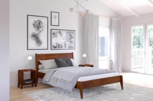 CHROB Masívna posteľ Radom buk - orech Rozmer postele: 140 x 200 cm