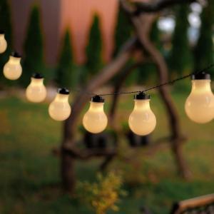 Čierna LED svetelná reťaz v tvare žiaroviek DecoKing Bulb, 10 svetielok, dĺžka 2,2 m