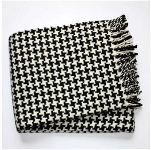 Čierno-biela deka so vzorom kohútej stopy Euromant Pearls Black, 140x160 cm