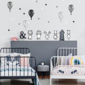 Čiernobiele nálepky zvieratiek s balónmi s nórskom štýle