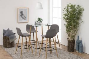 Dizajnová barová stolička Nayeli, svetlo šedá a prírodná