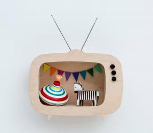 Dizajnová detská polička televízor Teevee - drevená