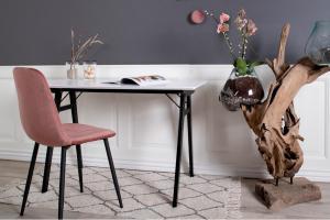 Dizajnová jedálenská stolička Myla, ružová, čierne nohy
