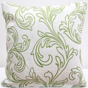 DomTextilu Biela dekoračná obliečka so zelenými vzormi 40x 40 cm 4712-124461
