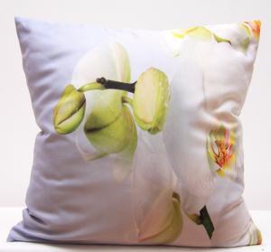 DomTextilu Biele obliečky na vankúš s motívom bielej orchidey 40 x 40cm 3160-124161