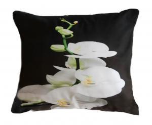 DomTextilu Čierna obliečka na vankúš rozmer 50 x 60cm s bielou orchideou  50x60 cm 41729-197028