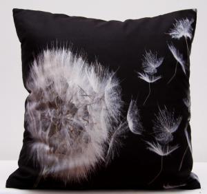 DomTextilu Čierno biele obliečky na vankúše s motívom odkvitnutej púpavy 40x40 cm 3145-124590