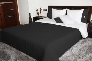 DomTextilu Čierno biely obojstranný prehoz na posteľ prešívaný Šírka: 75 cm | Dĺžka: 160 cm 5676-102884