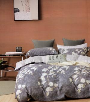 DomTextilu Fialovo biele bavlnené posteľné obliečky s potlačou kvetov 4 časti: 1ks 200x220 + 2ks 70 cmx80 + plachta Fialová 70 x 80 cm 36941-176571