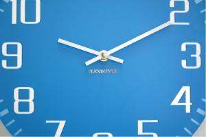 DomTextilu Hodiny na stenu moderné modrej farby 10718