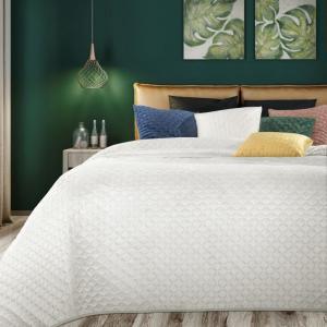 DomTextilu Jemný biely prešívaný prehoz na posteľ Šírka: 230 cm   Dĺžka: 260 cm 21762-198661