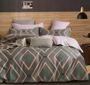 DomTextilu Sivé bavlnené posteľné obliečky s ružovým vzorom 3 časti: 1ks 160 cmx200 + 2ks 70 cmx80 Sivá 34645-166563