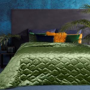 DomTextilu Zelený prehoz na posteľ z lesklej látky Šírka: 220 cm | Dĺžka: 240 cm 21777-138502