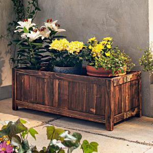 Drevený záhradný truhlík