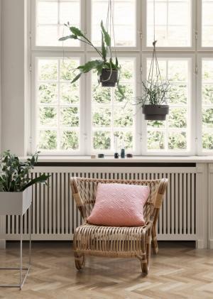 ferm LIVING Závesný keramický obal na kvetináč Plant Hanger