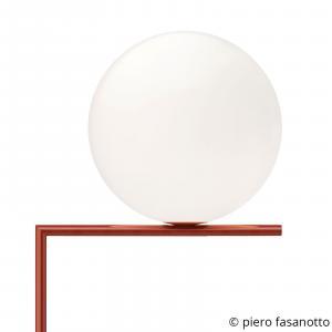 FLOS FLOS IC F2 stojaca lampa burgundská červená Ø30 cm