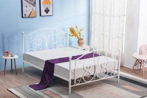 HALMAR Panama 120 kovová jednolôžková posteľ s roštom biela