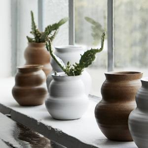 House Doctor Keramická váza Juno White 15 cm