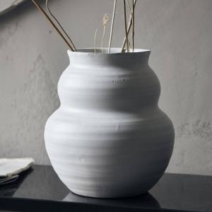 House Doctor Keramická váza Juno White 19 cm