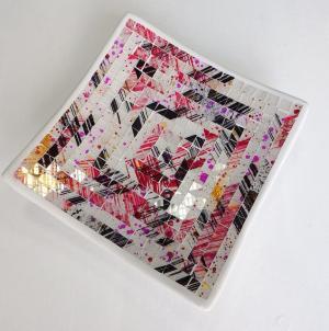 Hranatá dizajnová miska ružová. ručná mozaika, Indonézia