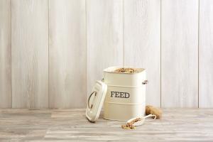 Kitchen Craft Plechová dóza s lopatkou Feed Cream