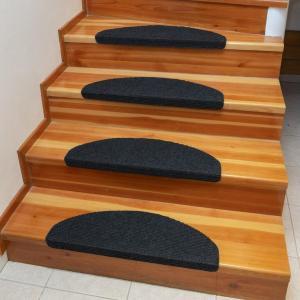 Koberec na schody QUICKSTEP polkruh antracitový sada 10 kusov