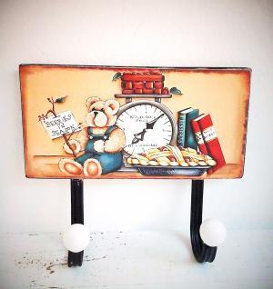 kovový vešiak s obrázkom 23 x 20 cm