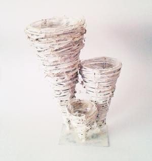 kvetináč na podstavci biely  25 x 15 x 30 cm