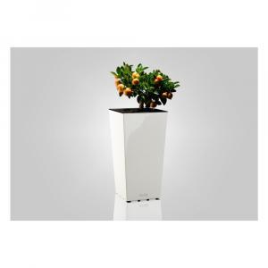 Lesklý biely kvetináč vhodný aj do exteriéru Gardenico Elise, výška 26 cm