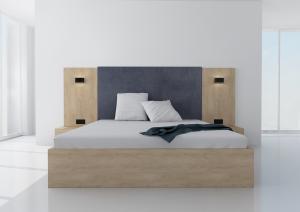 Manželská posteľ Koncepto, dub klasic, modré čalúnenie, nočné stolíky, svietidlá a zásuvky