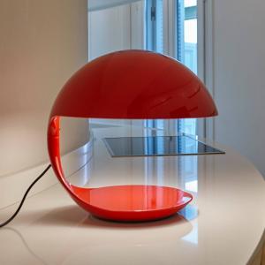 Martinelli Luce Martinelli Luce Cobra – retro stolná lampa červená