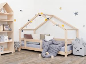 MAXMAX Detská Domčekové posteľ z masívu 200x90 cm LUCKY sa zábranami