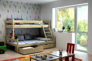 MAXMAX Detská poschodová posteľ s rozšíreným spodným lôžkom z MASÍVU 200x90cm BEZ ZÁSUVKY - PPS002
