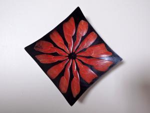 Misa z tíkového dreva červená 18,5cm
