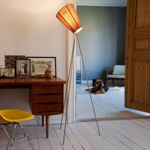 Northern Northern Oslo Wood stojaca lampa oceľ/béžová