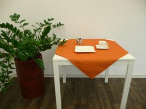 Obrus GABRIELA Farba: Oranžová,, Rozmer: 85 x 85 cm,