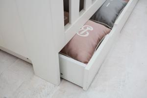 Pinio Detská postieľka / posteľ Calmo - 140 x 70 cm (2 farby) Farba: Biela, Zásuvka: Nie