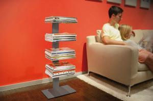 Radius design cologne Knihovna na časopisy 4 poličky RADIUS DESIGN (BOOKSBAUM MAGAZINE STAND SMALL silver 738C) strieborna