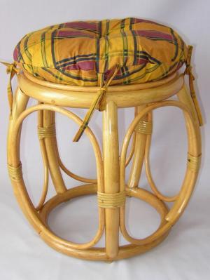 ratanová taburetka široká med