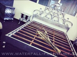 Retro zámecká postel Silver Leaf 180cm