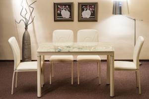 SIGNAL Damar jedálenský stôl krémová
