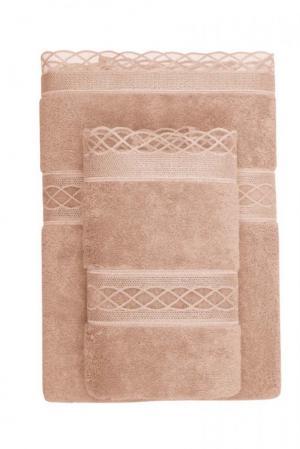 Soft Cotton Darčekové balenie uterákov a osušiek SELYA. Darčekové balenie froté uterákov a osušiek SELYA v luxusnom darčekovom boxe. Bronzová
