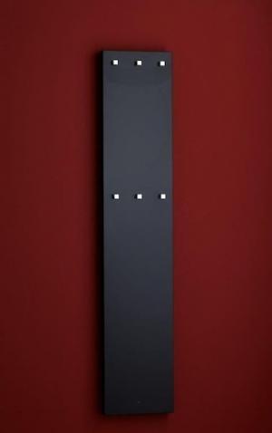Sušiak uterákov elektrický P.M.H. Nestor 150x30 cm čierna NE23001500BL