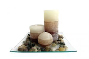 TORO Darčekový set 3 sviečky, vôňa vanilka, na sklenenom podnose s kameňmi