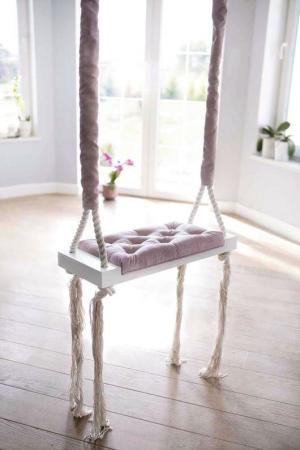 Vintage drevená hojdačka - púdrovo - ružová