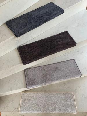 Vopi koberce Nášlapy na schody Capri hnědý obdélník - 25x80 obdélník (rozměr včetně ohybu)
